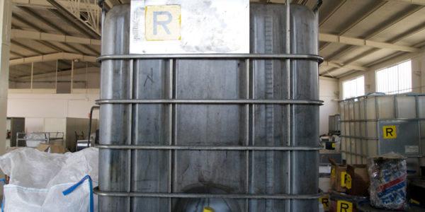 stoccaggio-rifiuti-speciali-011