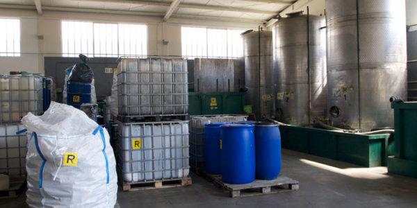 stoccaggio-rifiuti-speciali-012